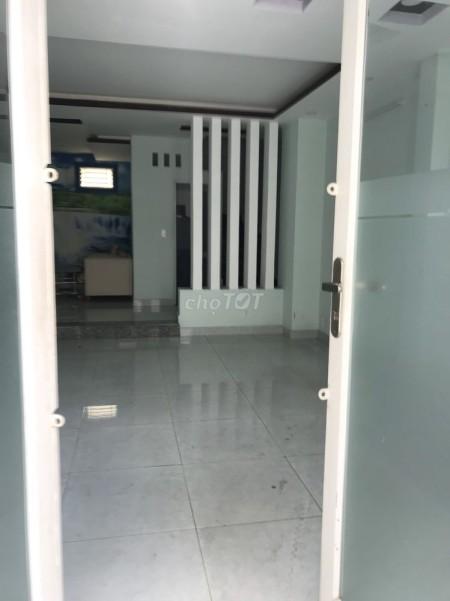 Cần cho thuê nhà rộng 290m2, 4 tầng, giá 12 triệu/tháng. Đường Vạn Kiếp, Bình Thạnh, 290m2, 4 phòng ngủ, 3 toilet