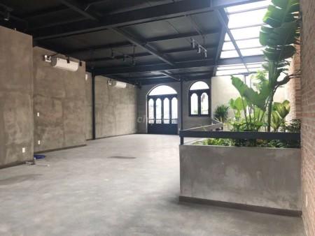 Cho thuê nhà nguyên căn mặt tiền Nguyễn Thị Thập, 1 trệt, 2 lầu, diện tích 10x50 phù hợp kinh doanh nhà hàng, ngân hàng., 500m2, 2 phòng ngủ, 4 toilet