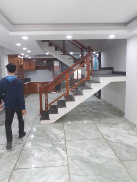 Có nhà đường Phan Đình Phùng, Quận Phú Nhuận cần cho thuê giá 50 triệu/tháng, dtsd 420m2, 420m2, 5 phòng ngủ, 4 toilet