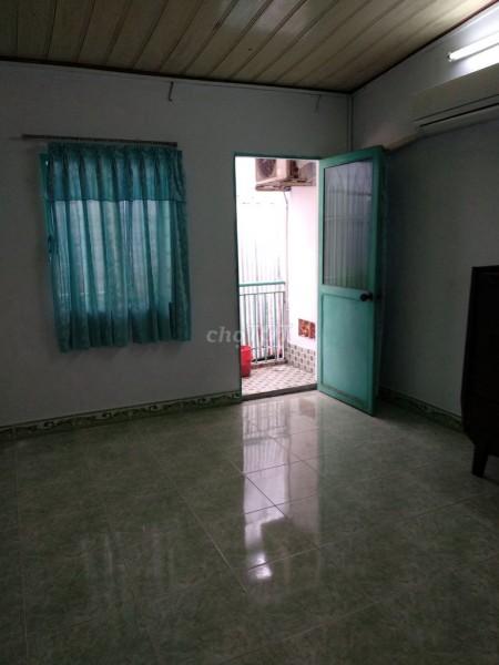 Cho thuê nhà rộng 36m2, có 1 trệt, 1 gác, hẻm 48/9/13 Hoàng Lê Kha, Quận 6, giá 6 triệu/tháng, 36m2, 1 phòng ngủ, 1 toilet
