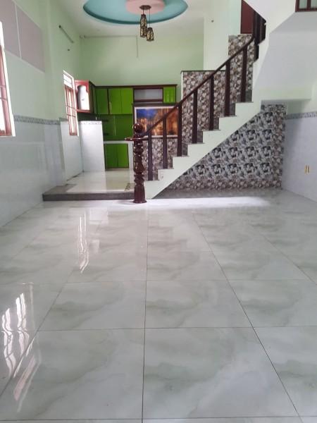 Nhà hẻm 6m Lê Văn Quới 4.6mx13m đúc 3 tấm 4PN 8 triệu, 60m2, 4 phòng ngủ, 4 toilet
