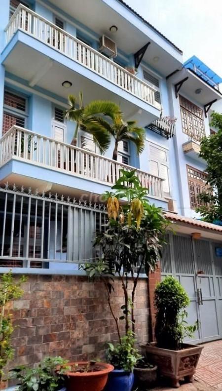 Cho thuê nguyên căn có cả nội thất Quận 2. Nhà rộng thoáng mát diện tích 110m2 Giá 36,8 triệu., 110m2, 4 phòng ngủ, 4 toilet