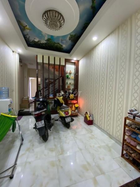 Cần cho thuê nhà rộng hẻm An Dương Vương, Quận 5 cần cho thuê giá 27 triệu/tháng, 300m2, 4 phòng ngủ, 3 toilet