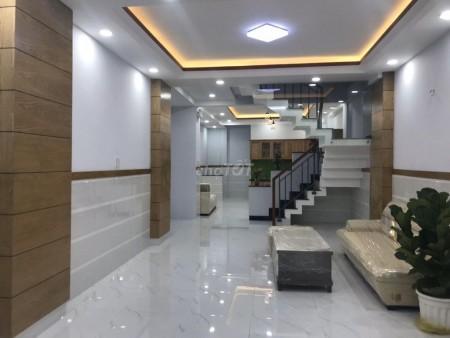 Cần cho thuê một căn nhà tại hẻm 127 đường Đinh Tiên Hoàng. Nhà mới, 150m2, 5 phòng ngủ, 6 toilet