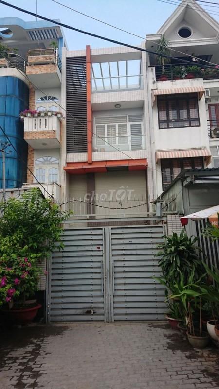 Cho thuê nhà mặt tiền đường Gò Ô Môi phường Phú Thuận, Quận 7. Có sân trước đậu xe 50m2, 100m2, 4 phòng ngủ, 6 toilet