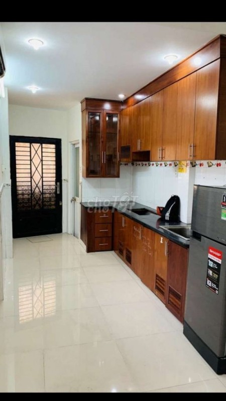 Cho thuê nhà full nội thất tại Phan Đình Phùng Phú Nhuận. 3 mặt tiền hẻm xe hơi, hẻm thông. Giá cả phải chăng., 75m2, 2 phòng ngủ, 3 toilet