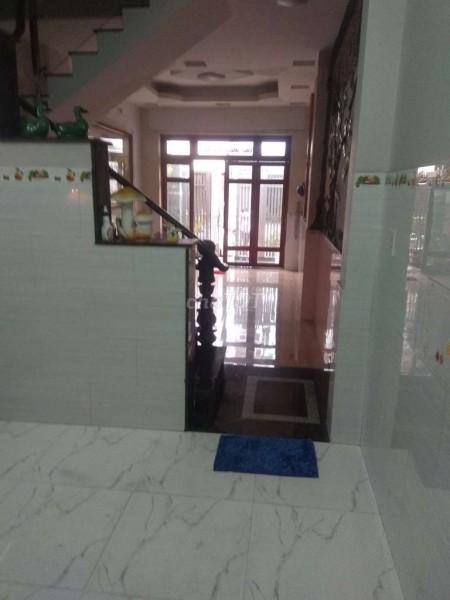 Mặt tiền nội bộ cần cho thuê nhà rộng 72m2, đường Tân Hương, Tân Phú, giá 12 triệu/tháng, 72m2, 2 phòng ngủ, 2 toilet