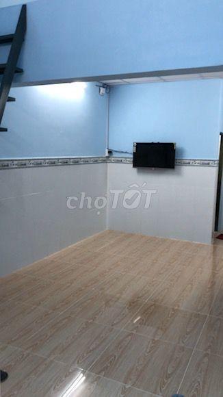 Cho thuê nhà Quận Tân Phú, nguyên căn rộng 40m2, 2 tầng, giá 5 triệu/tháng, lh 0907296160, 40m2, ,