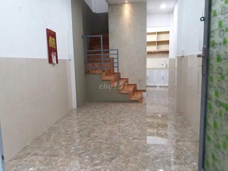 Có nhà hẻm Nguyễn Đình Chiểu, Quận 3 cần cho thuê giá 8.8 triệu/tháng, 2 tầng, dtsd 25m2, 25m2, ,