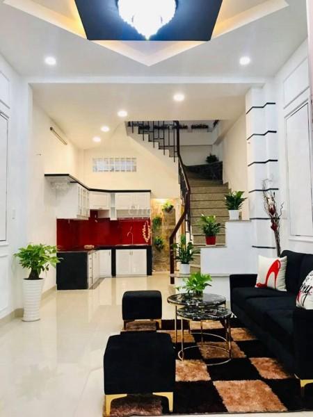 Cho thuê nhà 2 MT đường lớn, nhà mới sửa đã trang bị nội thất mới, đẹp và sang trọng giá thuê 30tr/tháng, 175m2, 7 phòng ngủ, 5 toilet
