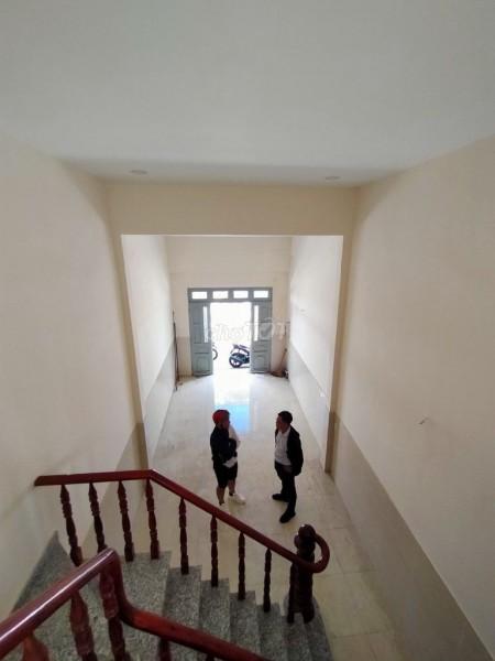 Cho thuê nhà nguyên căn tại Ngô Tất Tố quận Bình Thạnh. Giá 16 triệu/tháng, 140m2, 2 phòng ngủ, 2 toilet