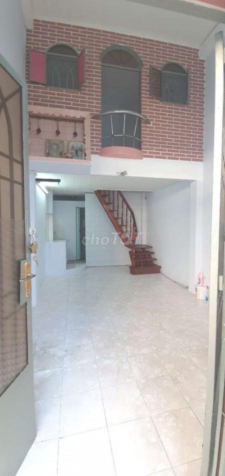 Nguyên căn 1 trệt, 1 lầu, hẻm Nguyễn Văn Cừ, Quận 5 cần cho thuê giá 13 triệu/tháng, dtsd 24, 24m2, 4 phòng ngủ, 2 toilet