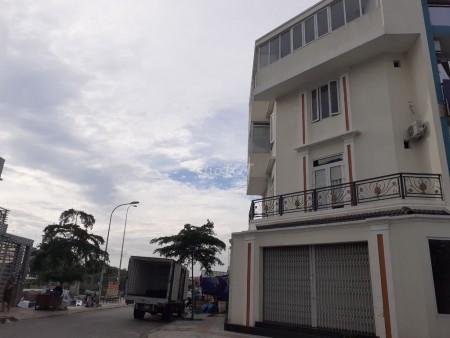 Nhà lớn cho thuê nguyên căn mặt tiền đường trong khu dân cư chợ Bình Điền. Giá thuê 25 triệu/tháng, 100m2, 6 phòng ngủ, 5 toilet