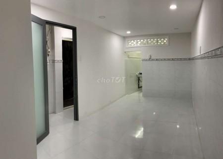 Cho thuê nhà nguyên căn giá 8 triệu tại Trần Khắc Chân Tân Định Quận 1. Có 1 trệt 1 lầu với 2 phòng ngủ, 2 nhà vệ sinh, 36m2, 2 phòng ngủ, 2 toilet
