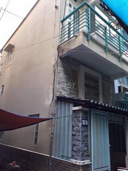 Nhà nguyên căn trong hẻm rộng tổng diện tích nhà 30m2 gồm 1 trệt, 1 lầu và 1 lững tại đường Đoàn Văn Bơ, 30m2, 3 phòng ngủ, 2 toilet