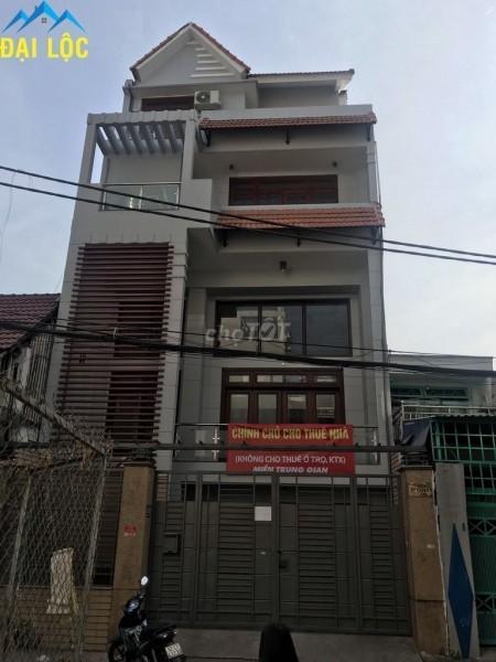 Cần Cho thuê căn nhà tại Lê Văn Huân Quận Tân Bình. Nhà có tầng hầm, tầng trệt và 3 lầu, 460m2, 3 phòng ngủ, 3 toilet