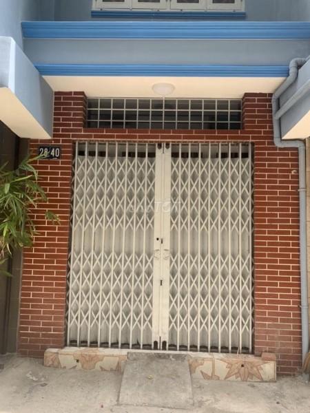 Cho thuê nhà Quận 5 diện tích 70m2 trong một con hẻm trên đường Trần Bình Trọng giá cho thuê 11 triệu, 70m2, 2 phòng ngủ, 3 toilet
