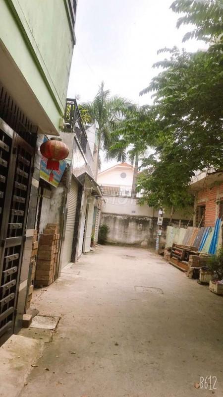 Nhà cho thuê nguyên căn 3 lầu có sân thượng, hẻm xe hơi tại đường Tô Ngọc Vân. 11 triệu một tháng thuê, 72m2, 5 phòng ngủ, 4 toilet