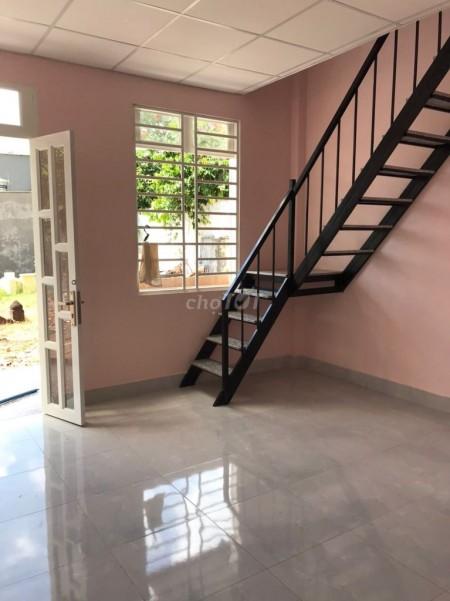 Nhà cho thuê tại Huyện Hóc Môn nhà mới tinh 1 trệt, 1 lầu, có 2 phòng ngủ. Giá thuê 2,8 triệu/tháng, 21m2, 2 phòng ngủ, 1 toilet