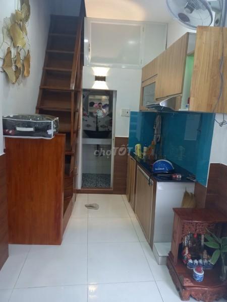 Nhà cho thuê nguyên căn 2 tầng tại Trần Quang Khải Quận 1 nhà 14m2, giá thuê 12 triệu/tháng, 14m2, 1 phòng ngủ, 1 toilet