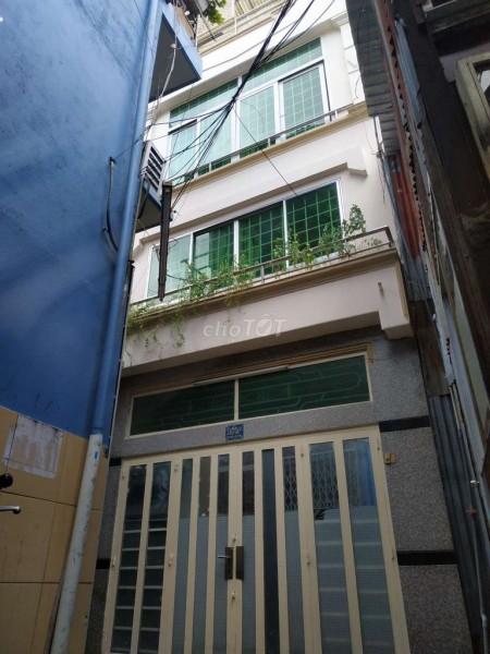 Nhà cho thuê nguyên căn 4 tầng giá cho thuê 7 triệu/tháng tại đường Tôn Đản Quận 4, 20m2, 2 phòng ngủ, 3 toilet
