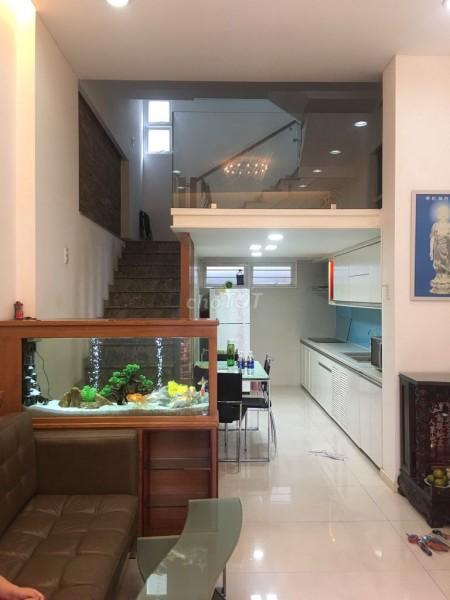 Nhà cho thuê nguyên căn hẻm gần mặt tiền đường, nhà đẹp mới tinh. Giá thuê 20 triệu/tháng, 37m2, 3 phòng ngủ, 4 toilet