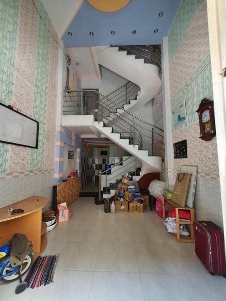 Cho thuê nhà 1 trệt 1 lửng 1 lầu có sẵn 2 máy lạnh và nhiều nội thất khác cọc chỉ 1 tháng cho thuê lâu dài, 48m2, 3 phòng ngủ, 3 toilet