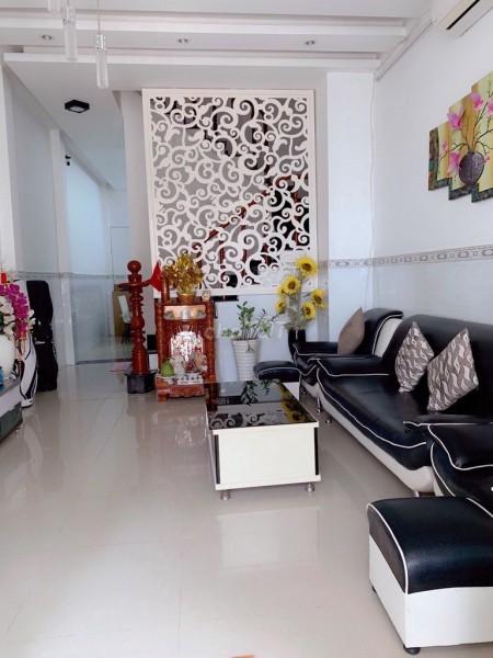Cho thuê nguyên căn rộng 56m2, 3 tầng, thuê lâu dài, giá 10 triệu/tháng, hẻm 1806 Huỳnh Tấn Phát, Nhà Bè, 56m2, 4 phòng ngủ, 4 toilet