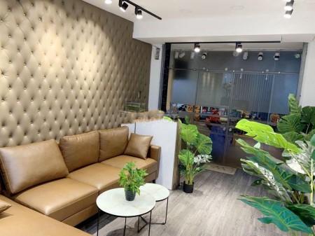 Cho thuê nhà mặt tiền đường thuận tiện kinh doanh, mở công ty tại đường Cao Đạt Phường 1 Quận 5, 72m2, 3 phòng ngủ, 3 toilet
