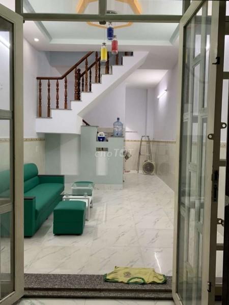 Nhà cho thuê nguyên căn tại đường Phạm Văn Sáng gần chợ Đại Hải Hóc Môn. Giá thuê 4 triệu/tháng, dt 40m2, 40m2, 2 phòng ngủ, 2 toilet