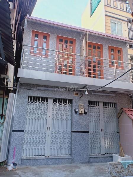 Cho thuê nhà nguyên căn 1 trệt 1 lầu ngay trung tâm quận 1, dtsd 42m2, giá thuê 8 triệu, 21m2, 1 phòng ngủ, 2 toilet