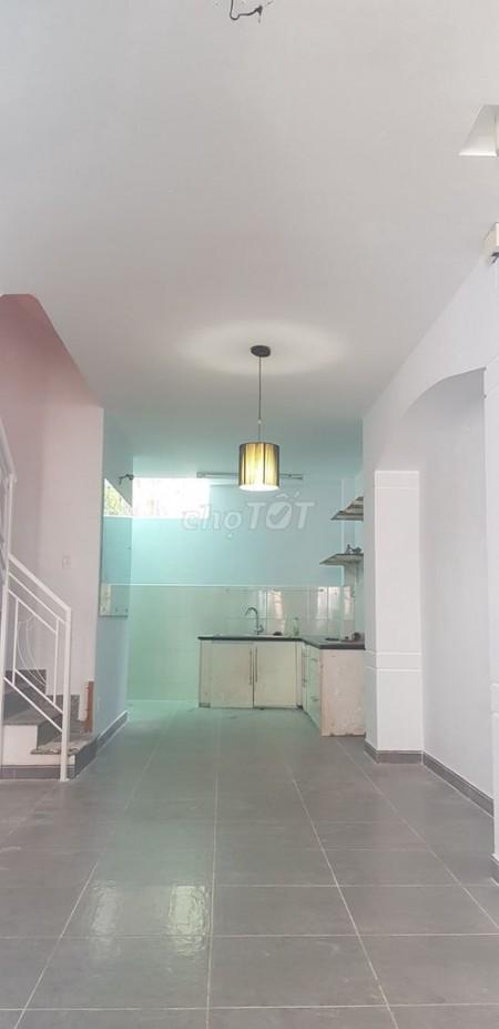 Nhà nguyên căn cho thuê diện tích 4m x 13m, 1 trệt 1 lầu nhà ngay cầu Rạch Tôm. Giá thuê 6 triệu, 52m2, 2 phòng ngủ, 2 toilet