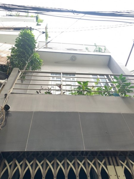 Nhà cho thuê nguyên căn 3m x 10m đúc 3 tầng kiên có nhà hẻm 3m Thích Quảng Đức, 30m2, 3 phòng ngủ, 2 toilet