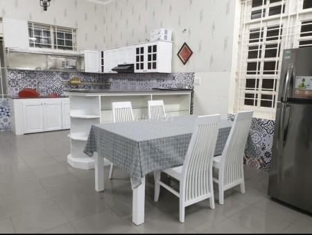 Cần cho thuê biệt thự 2 lầu 150m2 tại Phạm Văn Đồng Thủ Đức gần Gigamall, 150m2, 4 phòng ngủ, 4 toilet