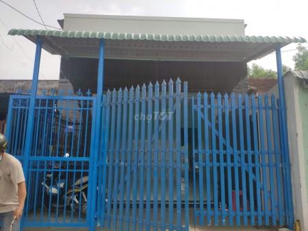 Cho thuê nhà cấp 4 mới xây xong mới tinh, có sân trước, có mái hiên, có hàng rào, mặt đường lớn, 150m2, 2 phòng ngủ, 1 toilet