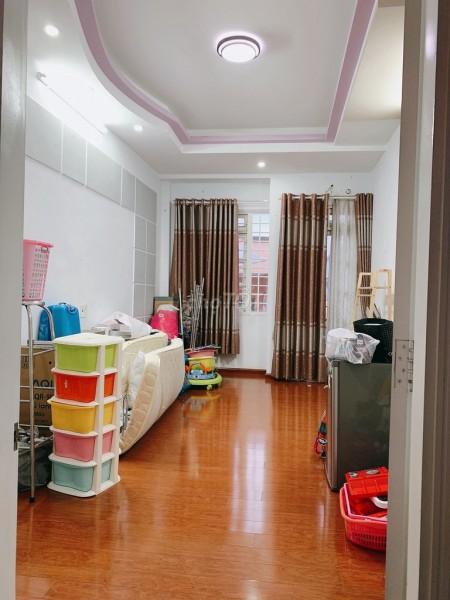 Cho thuê nguyên căn rộng 38.5m2 (3.5x11), giá 10 triệu/tháng. Hẻm Phan Xích Long, Phú Nhuận, 38.5m2, 3 phòng ngủ, 5 toilet