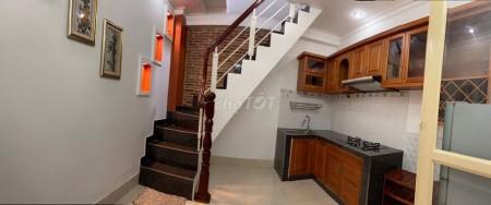 Cho thuê nhà nguyên căn siêu phẩm mới toanh tại trung tâm Quận 1, 16m2, 2 phòng ngủ, 2 toilet