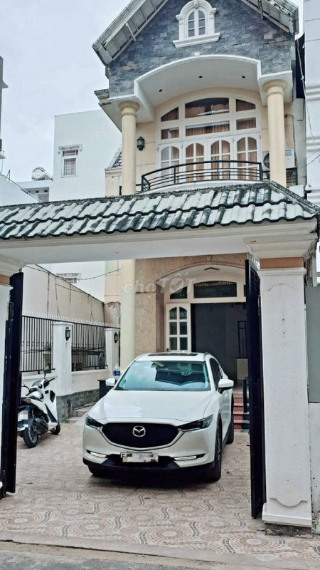 Cho thuê nhà mới siêu đẹp, có sân trước rộng rãi đậu ô tô thoải mái, tại Đỗ Quang p. Thảo Điện Quận 2, 100m2, 4 phòng ngủ, 3 toilet