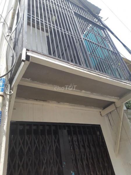 Cho thuê nhà nguyên căn tại Nguyễn Trãi đoạn gần Trần Bình Trọng. 40m2, 6,5 triệu/tháng, 40m2, 1 phòng ngủ, 1 toilet