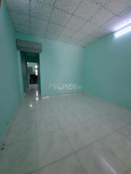 Nhà đường Lâm Thị Hố, Quận 12 cần cho thuê rộng 68m2, 2 PN, giá 4.5 triệu/tháng, LHCC, 68m2, 2 phòng ngủ, 1 toilet