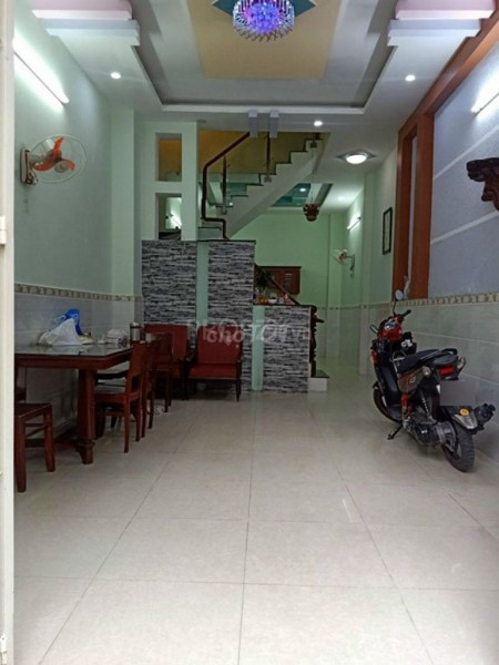 Cho thuê nguyên căn rộng 192m2 (4mx12m), hẻm Lê Văn Quới, Bình Tân, giá 12 triệu/tháng, 192m2, ,