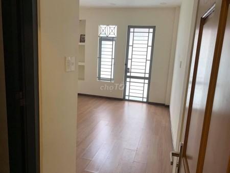 Nhà đường Hoa Cúc, Quận Phú Nhuận, giá 45 triệu/tháng, 4 tầng, 7 PN, LHCC, 64m2, 7 phòng ngủ, 5 toilet