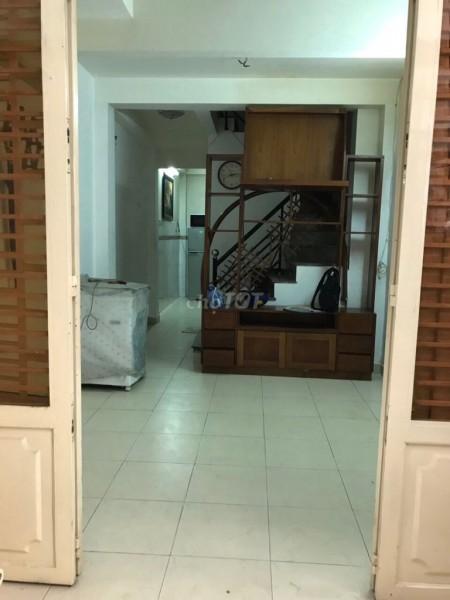 Nhà nguyên căn 1 trệt 2 lầu và sân thượng cho thuê 8 triệu tại 150/53 Bến Vân Đồn phường 6 quận 4, 30m2, 3 phòng ngủ, 2 toilet