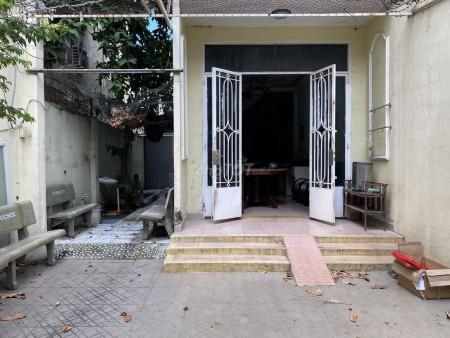Cho thuê nhà nguyên căn 1 trệt 1 lầu hẻm xe hơi vào thoải mái đường Trần Văn Đang Quận 3, 124m2, 4 phòng ngủ, 3 toilet