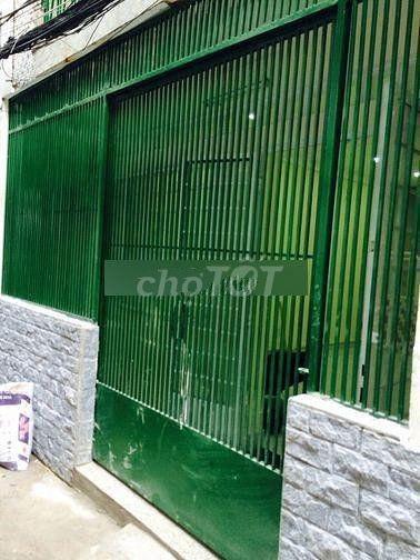 Nhà nguyên căn 3.8m x 11m, 2 tầng, 2 phòng ngủ, nhà hẻm 3m đường Cách Mạng Tháng 8, 41.8m2, 2 phòng ngủ, 2 toilet