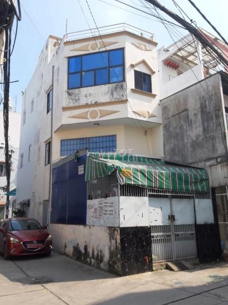 Nhà nguyên căn có 1 trêt, 1 lững, 1 lầu và sân thượng tại hẻm xe hơi đường Hòa Bình Quận 11, 40m2, 2 phòng ngủ, 2 toilet