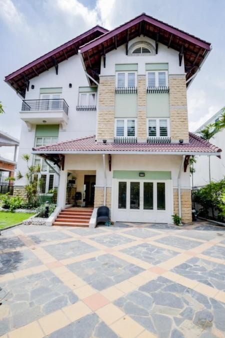Cho thuê villa Thảo Điền 500m2, 1 trệt 2 lầu 5PN full nội thất có sân vườn hồ bơi, 500m2, 5 phòng ngủ, 5 toilet