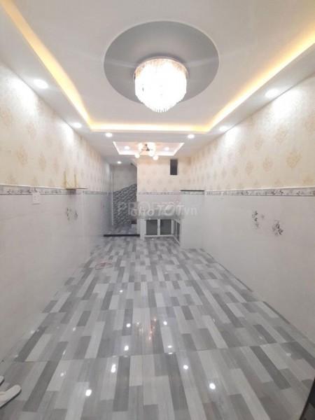 Nhà nguyên căn Quận 4 cần cho thuê lại, nhà mới, sạch đẹp, đang trống có thể chuyển vào ngay, 25m2, 3 phòng ngủ, 4 toilet