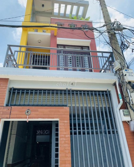 Cần cho thuê căn nhà nguyên căn tại Quốc Lộ 13 cũ, Nhà hẻm lớn, mới đẹp, 51m2, 3 phòng ngủ, 3 toilet