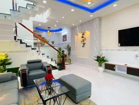 Nhà nguyên căn 1 trệt 2 lầu với 4 phòng ngủ tại Ông Bích Khiêm Quận 11, 105m2, 4 phòng ngủ, 3 toilet